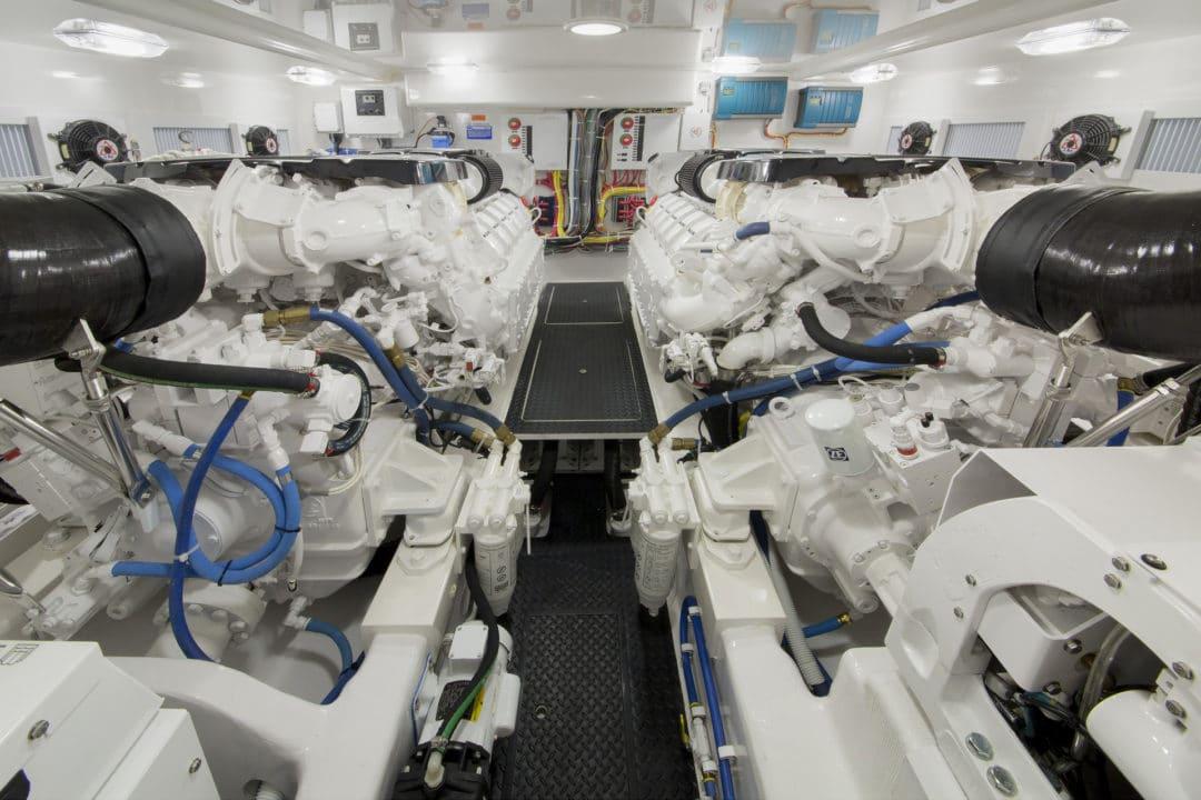 nV52ST-Engine Room