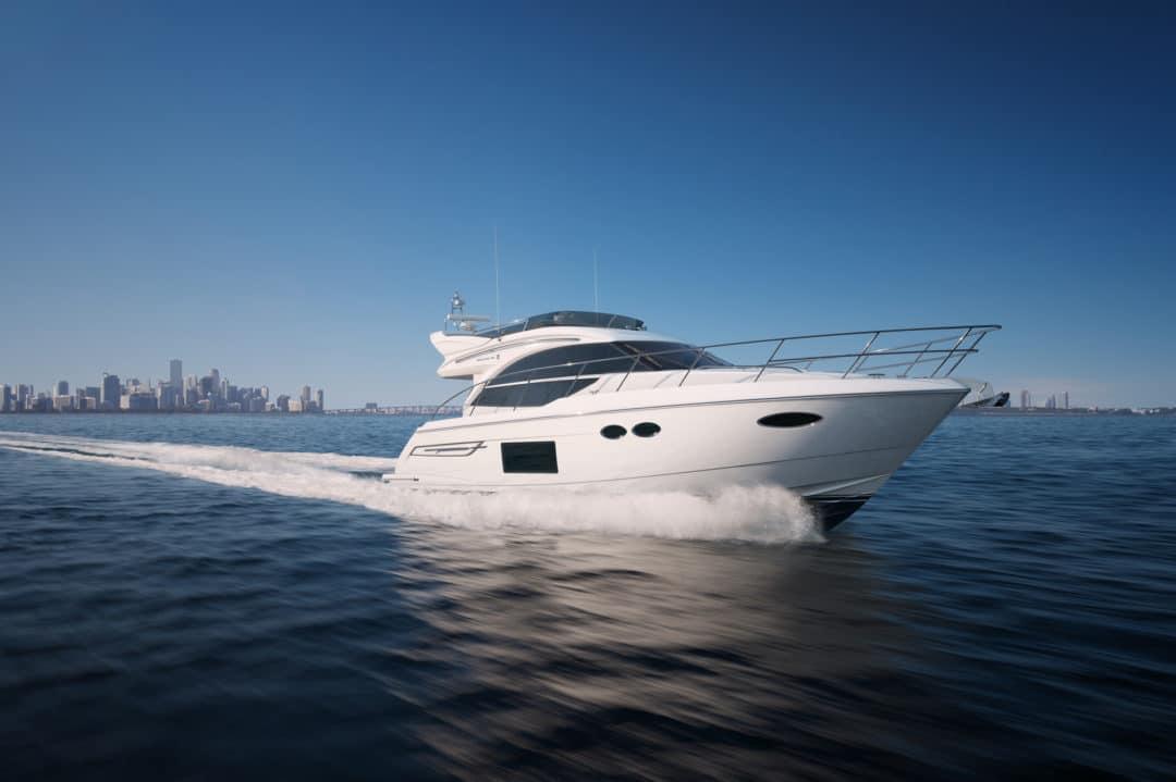 49-exterior-white-hull