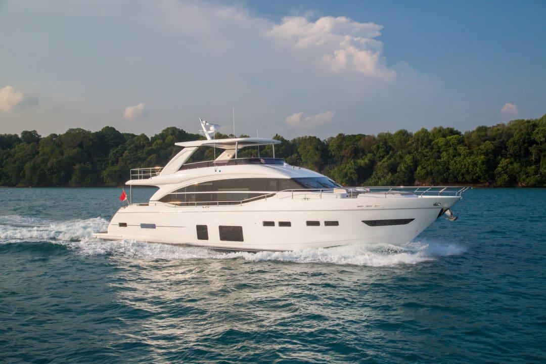 75-exterior-white-hull-1