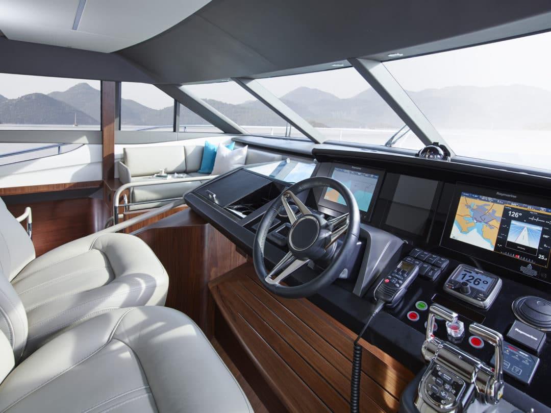 75-motor-yacht-interior-helm-1-american-walnut-satin