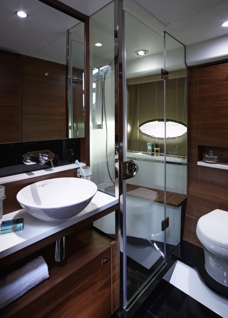P43 Starboard Bathroom.jpg