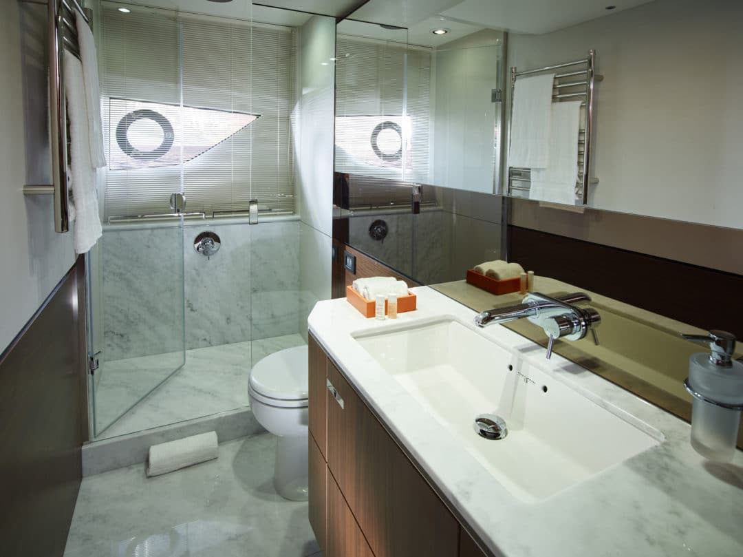 s65_master_bathroom_2