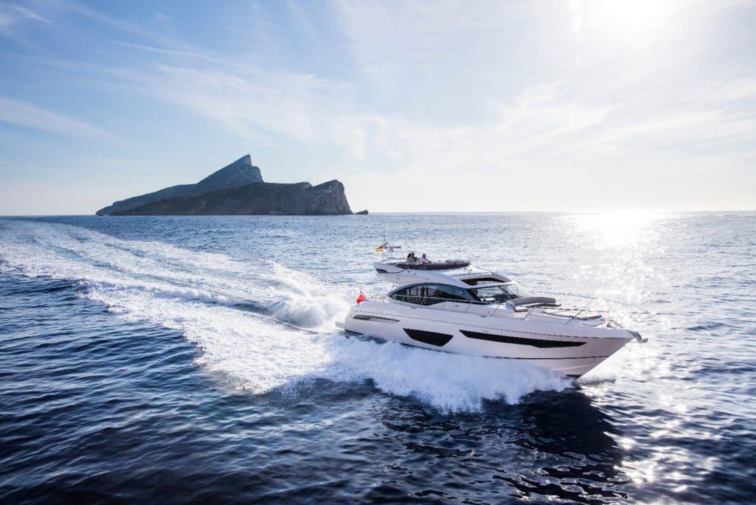 s65-exterior-white-hull-16