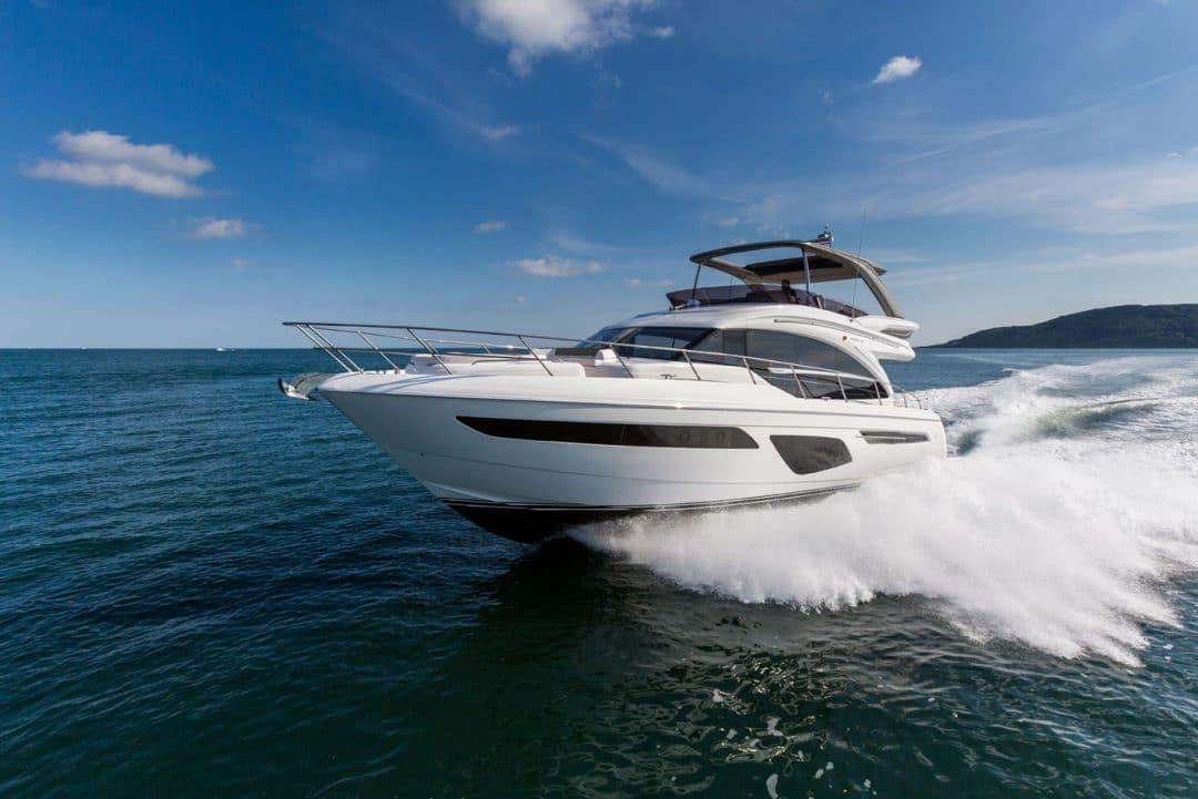 62-exterior-white-hull-1