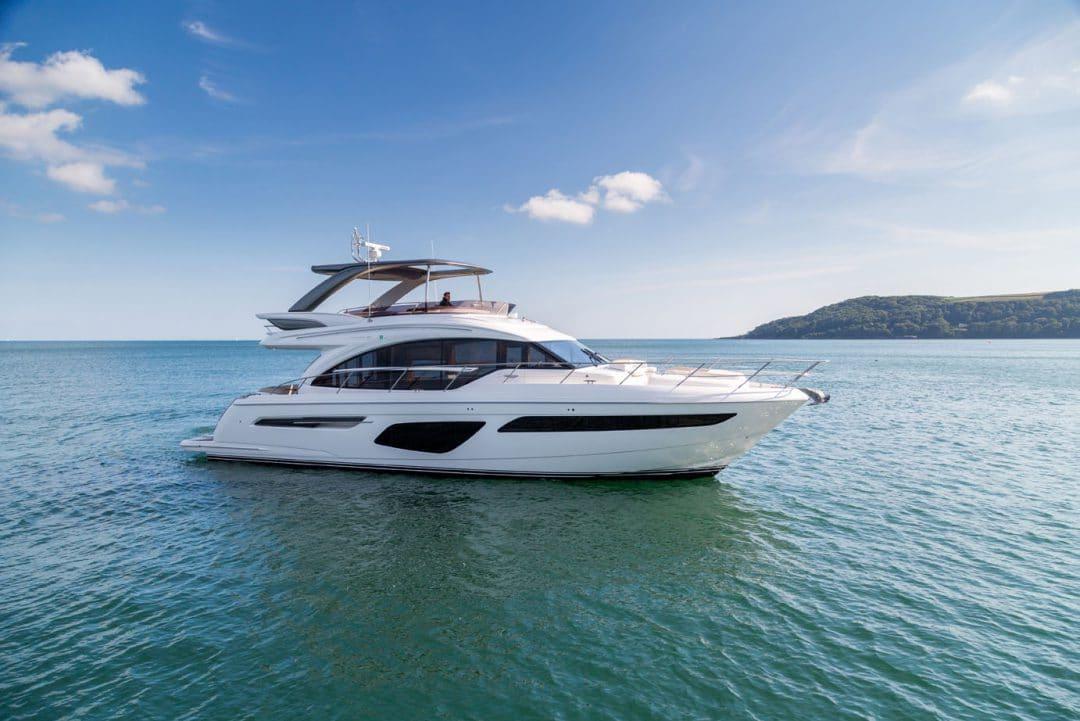 62-exterior-white-hull-4