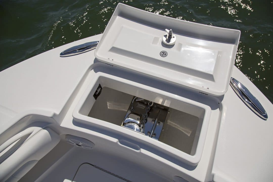 25-regulator-center-console-boat-anchor-windlass
