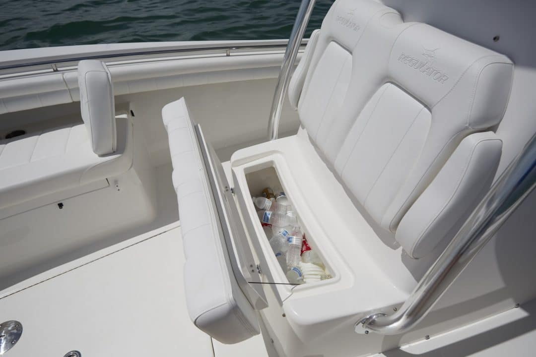 25-regulator-center-console-boat-seat-storage-cooler