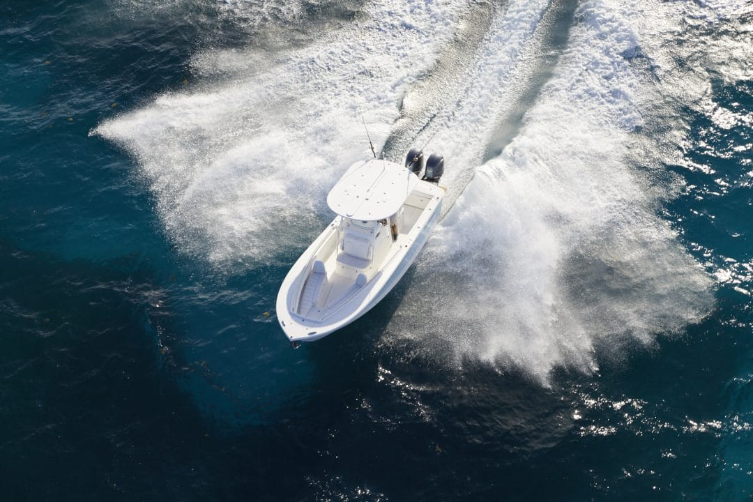 25-regulator-offshore-sportfishing-boat