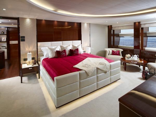 40M Hull4 Owner's Suite