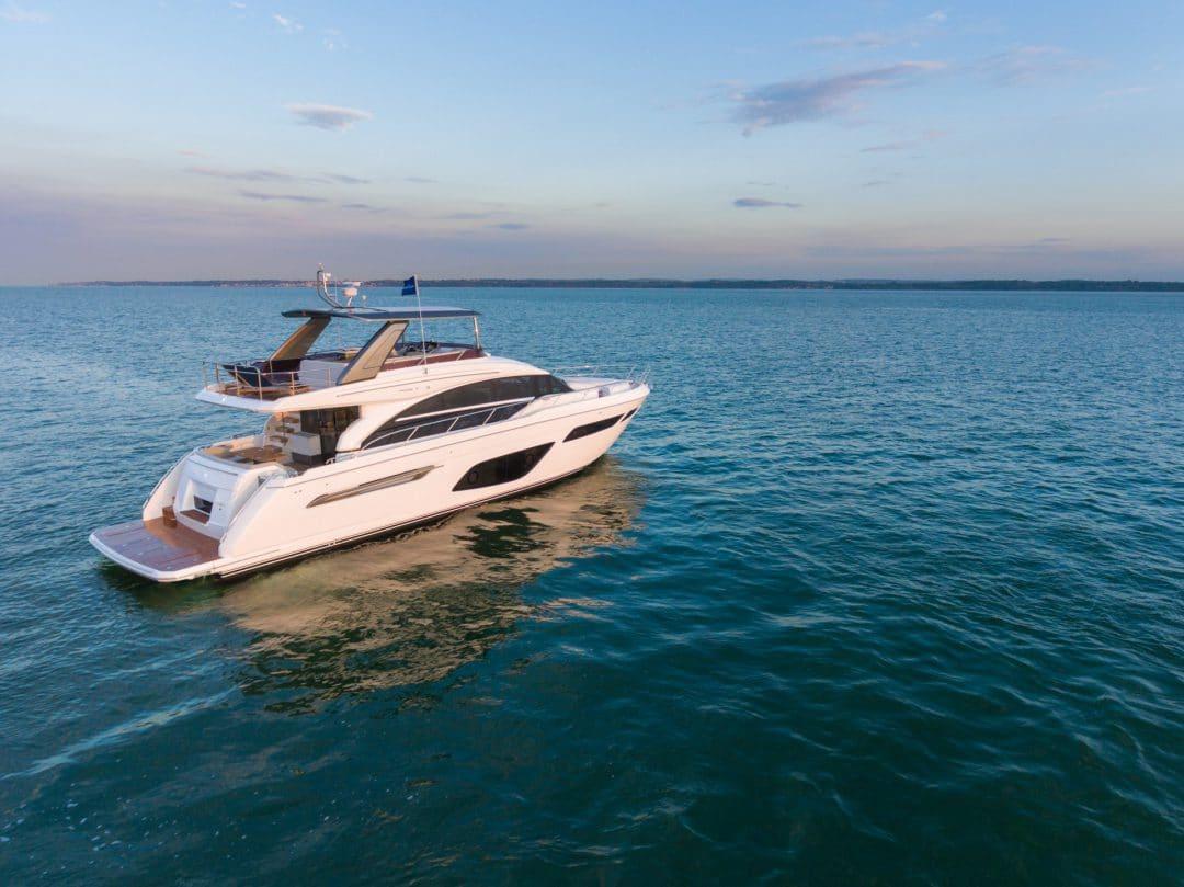 f70-exterior-white-hull-3