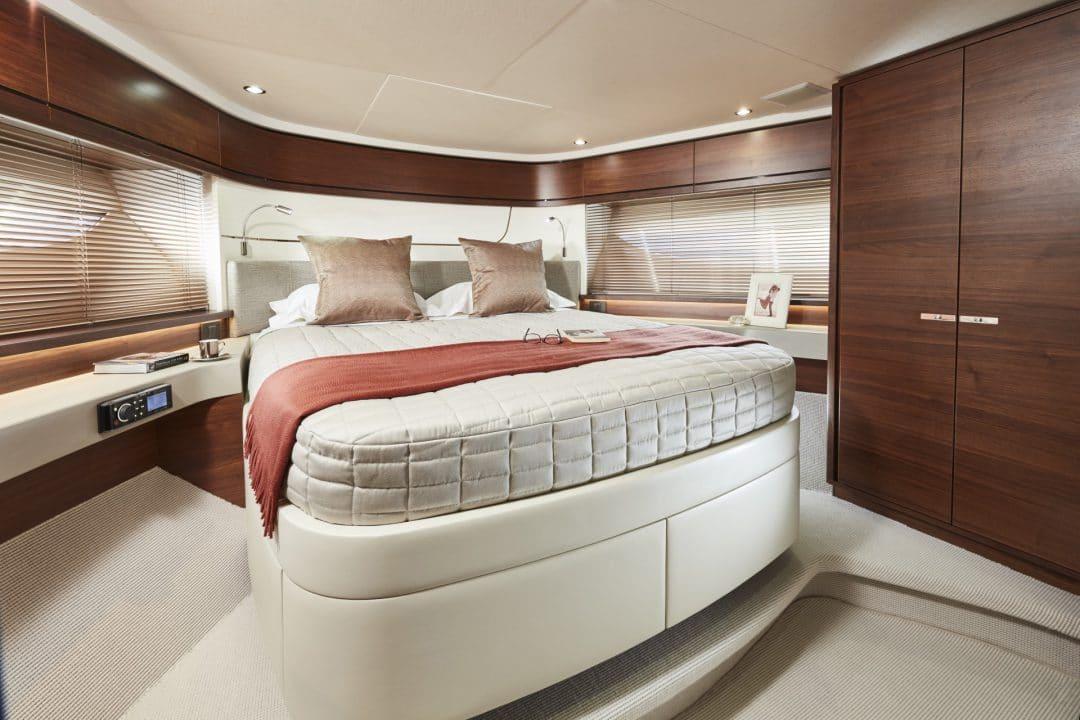 f70-interior-forward-cabin