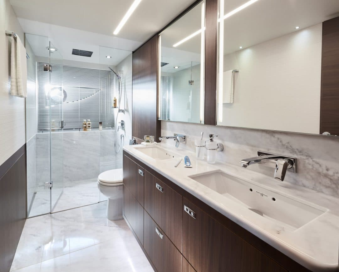 s78-interior-owners-bathroom