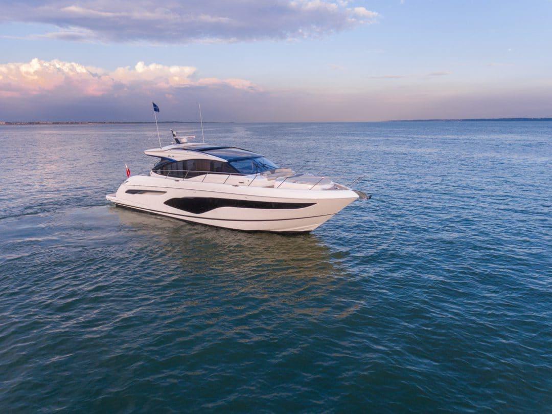 v60-exterior-white-hull-11