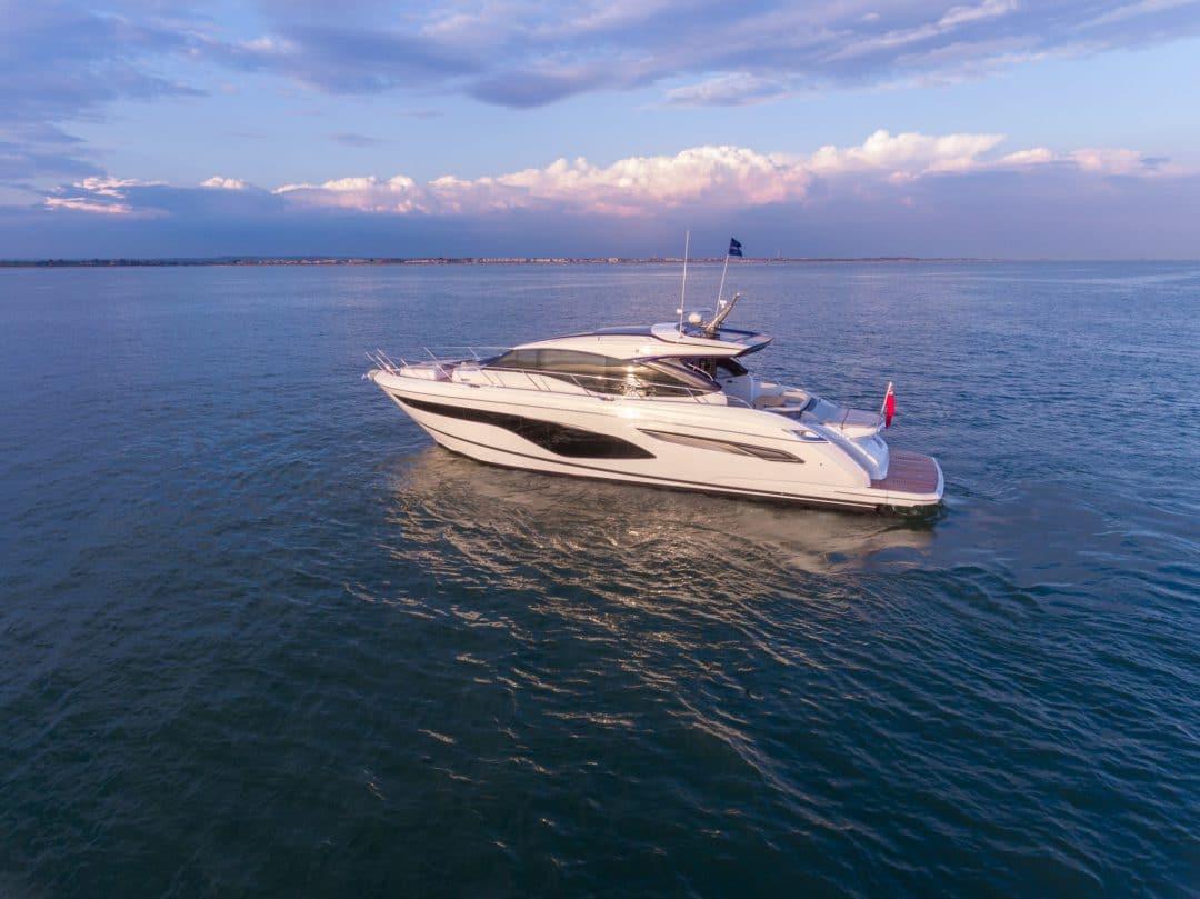 v60-exterior-white-hull-12