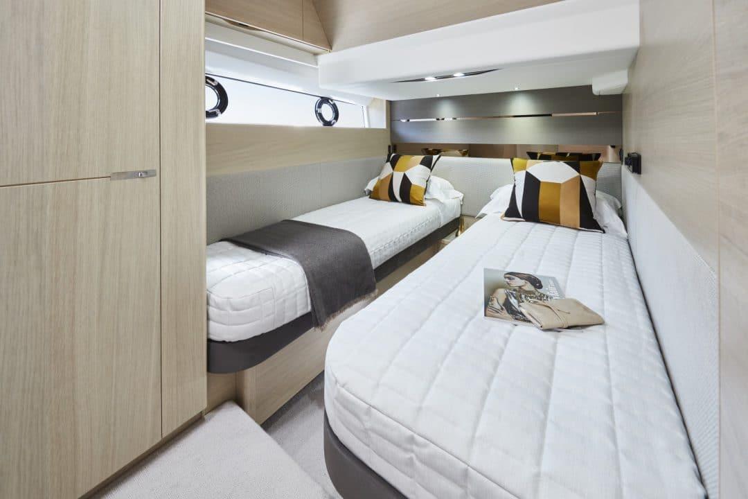 v60-interior-starboard-cabin-alba-oak-satin