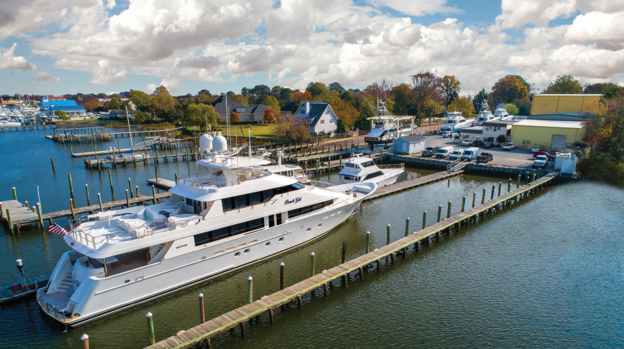 Large-Yacht-Service-at-Bluewater-Hampton-Yacht-Yard