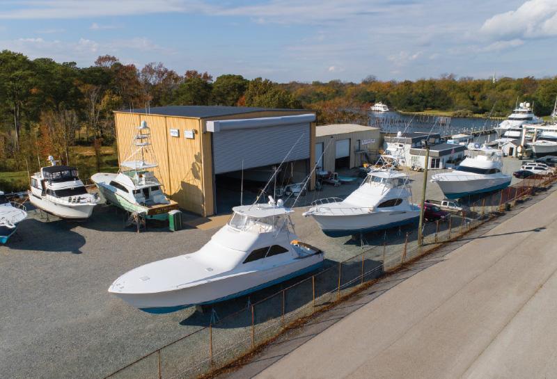 Service-Customers-at-Bluewater-Yacht-Yards-Hampton