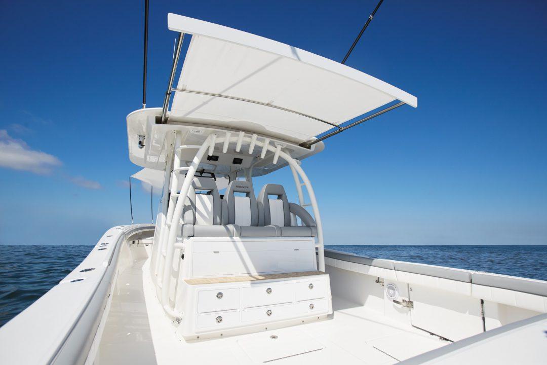 41-regulator-center-console-boat-sureshade-cockpit-shade