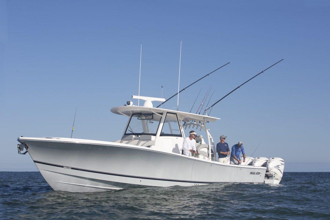 41-regulator-center-console-fishing-hull