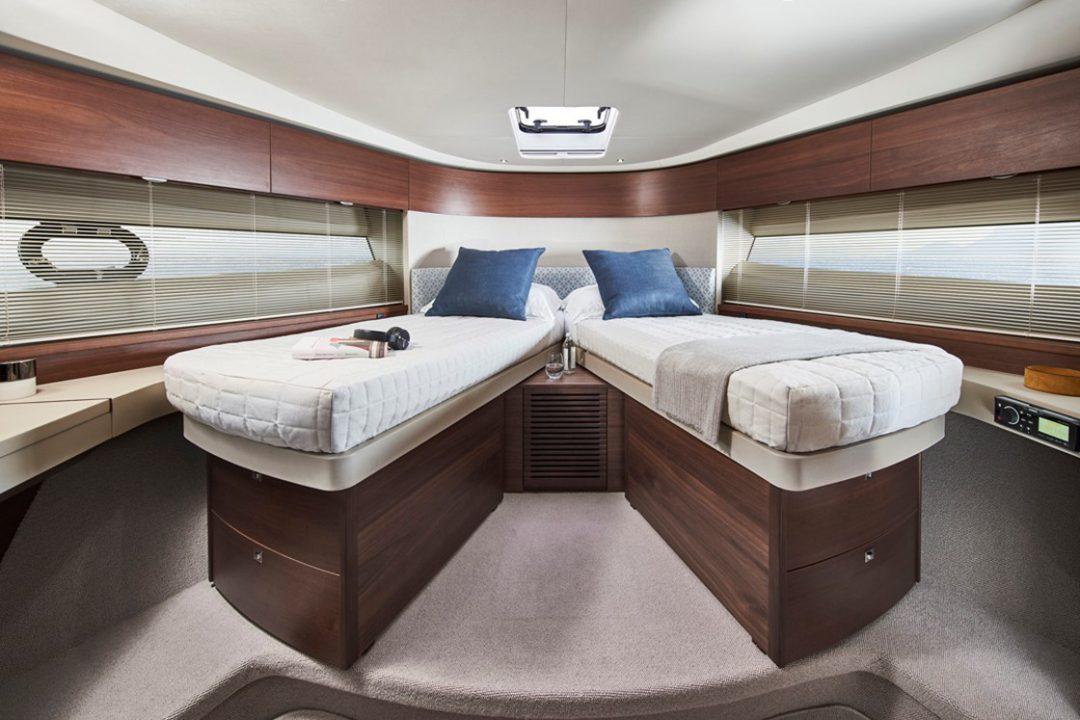 f50-forward-cabin-3-rt