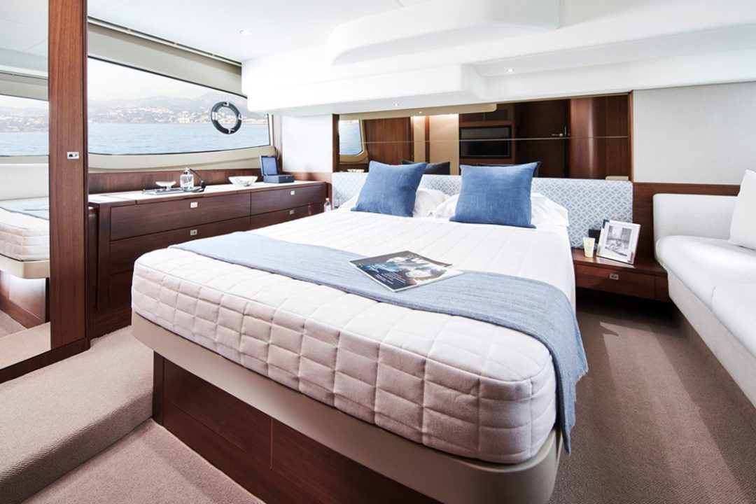 f50-master-stateroom-1a-rt