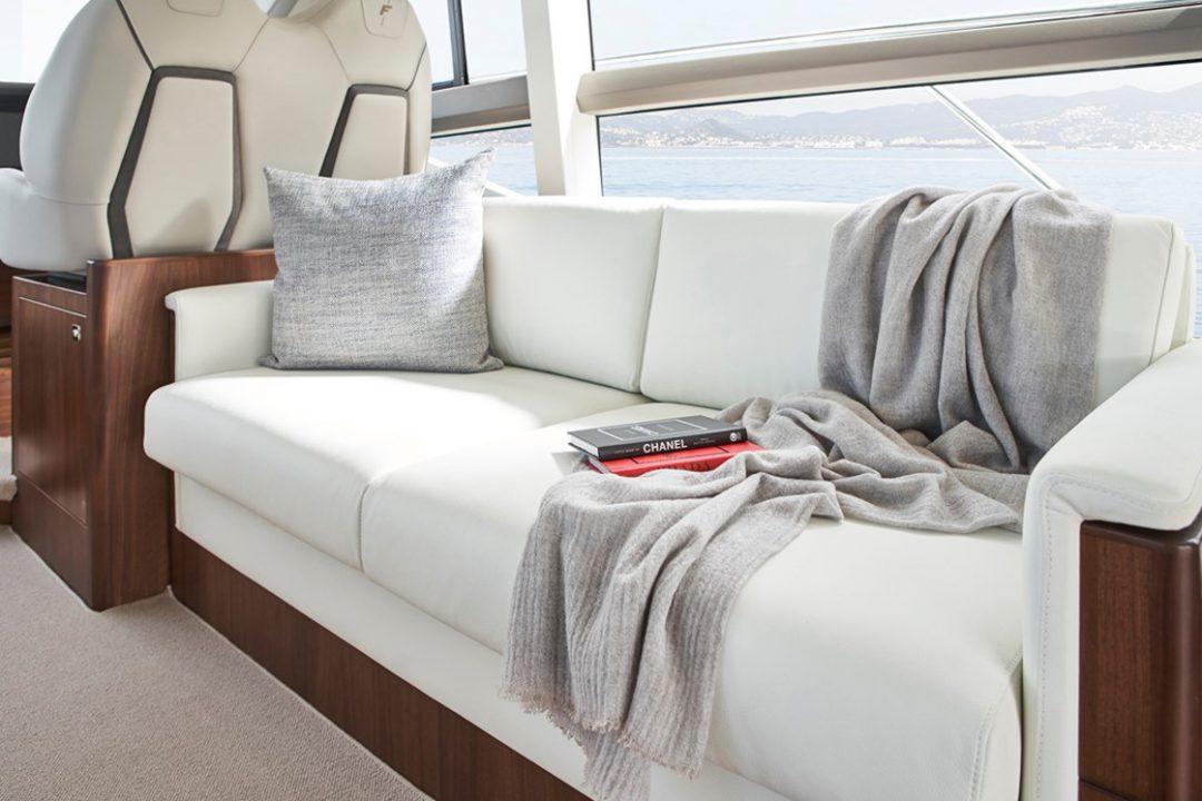 f50-saloon-sofa-detail-2-rt