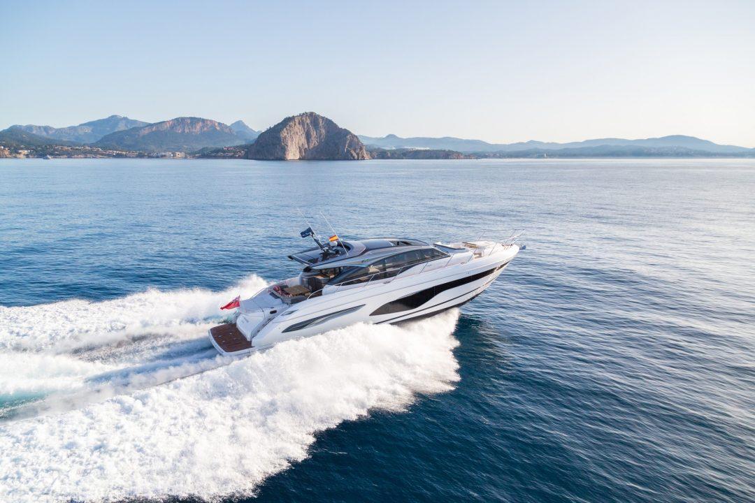 v65-exterior-white-hull-12