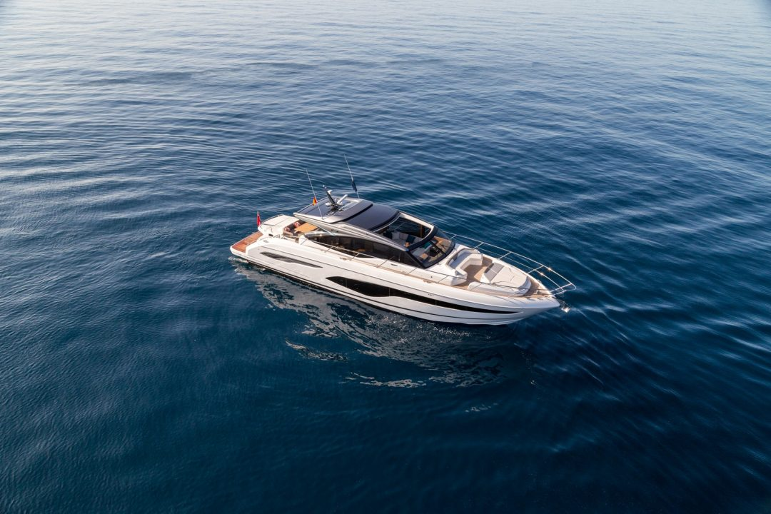 v65-exterior-white-hull-21