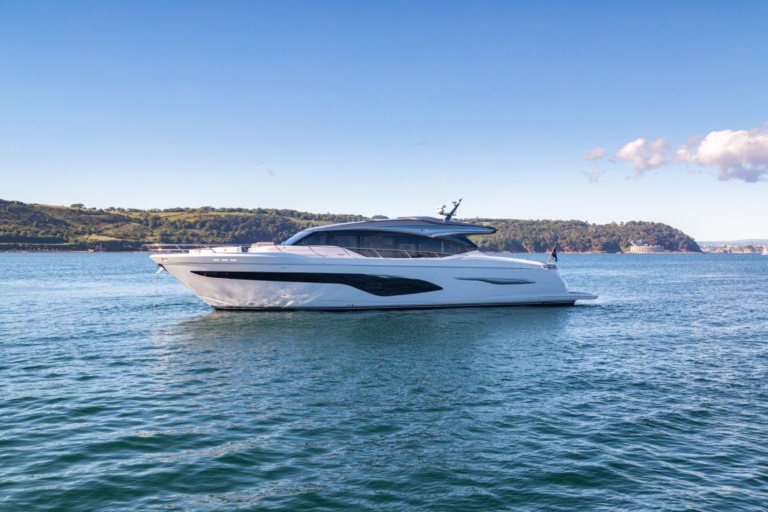 v78-exterior-white-hull-04