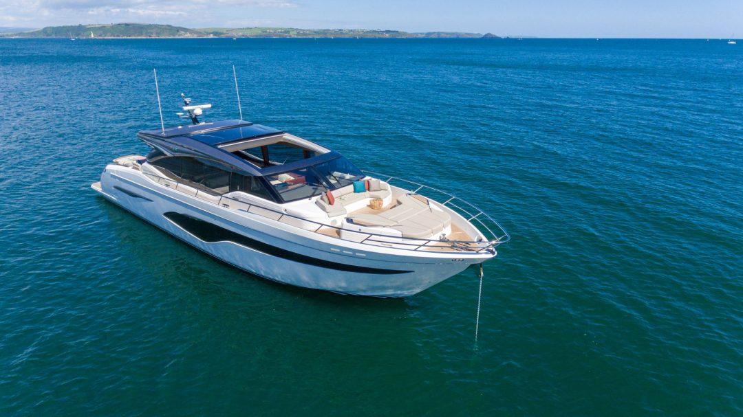 v78-exterior-white-hull-16