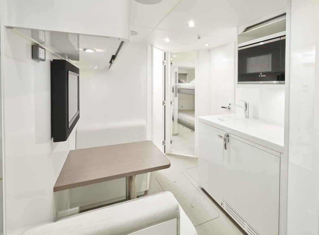 x95-slot-3-interior-crew-2