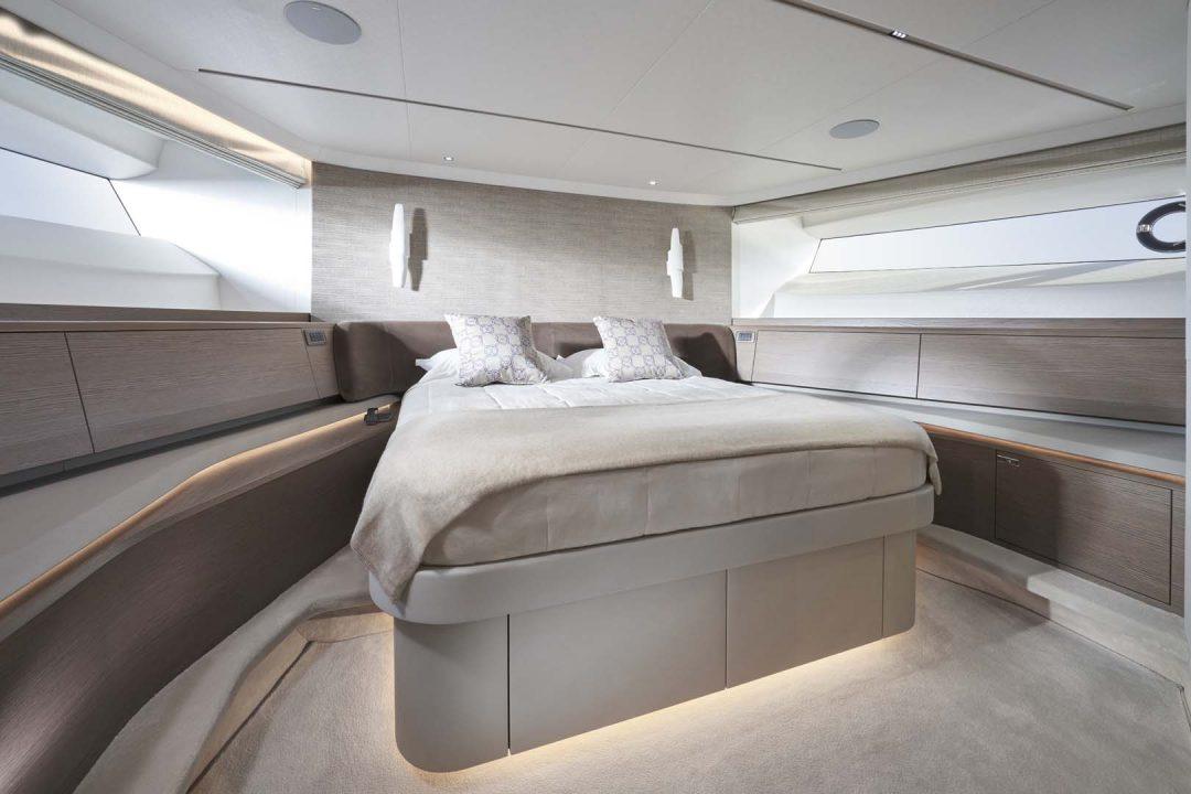 x95-slot-3-interior-forward-cabin-1