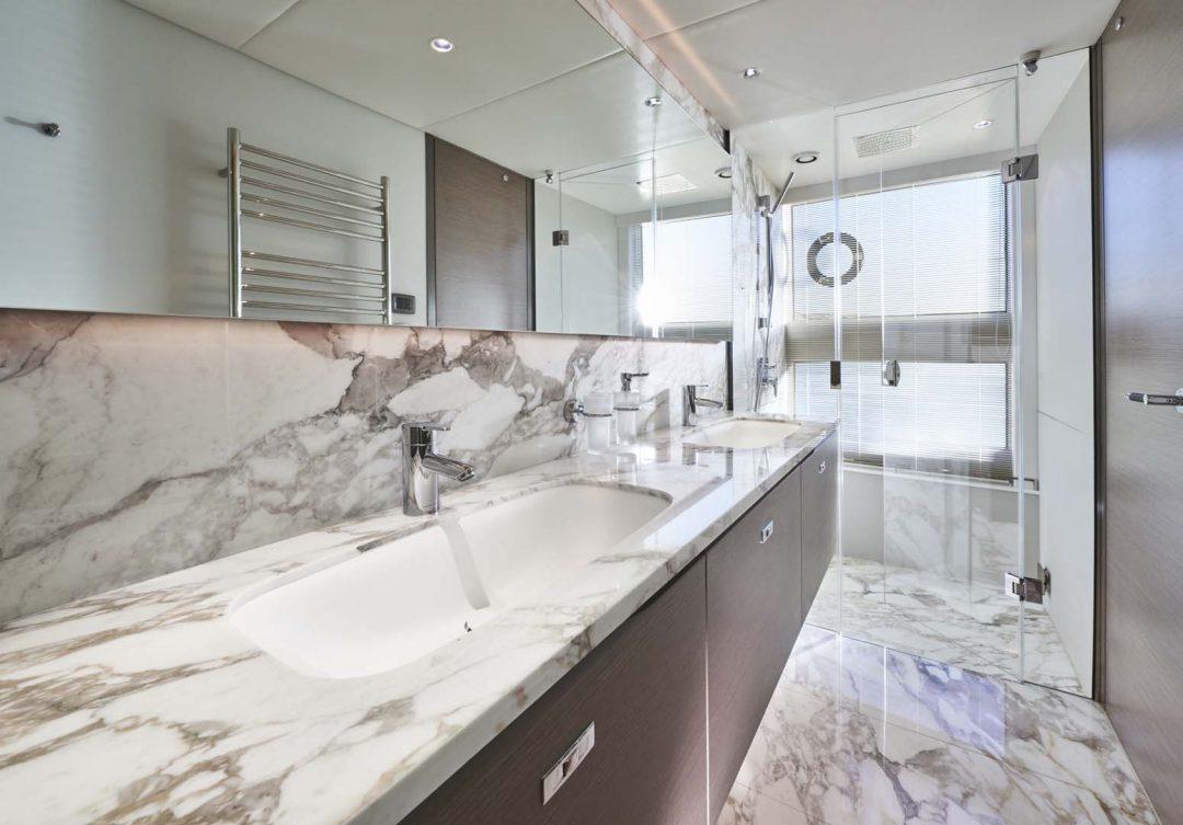 x95-slot-3-interior-master-stateroom-bathroom-2