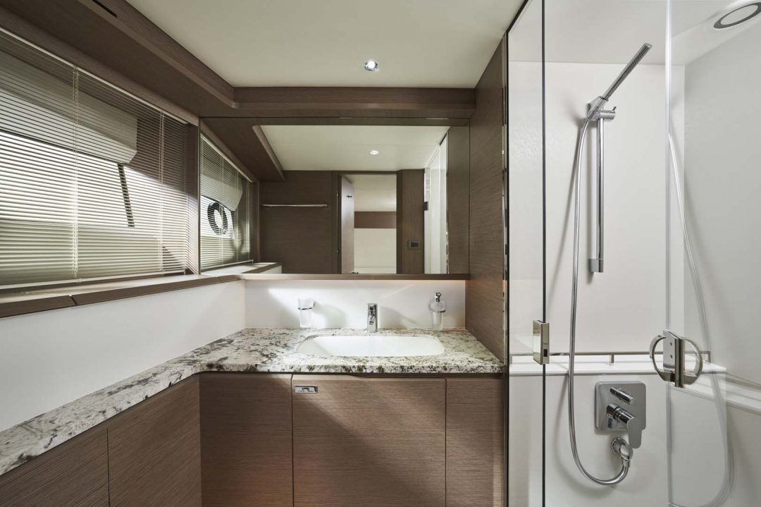 x95-slot-3-interior-port-twin-bathroom-2