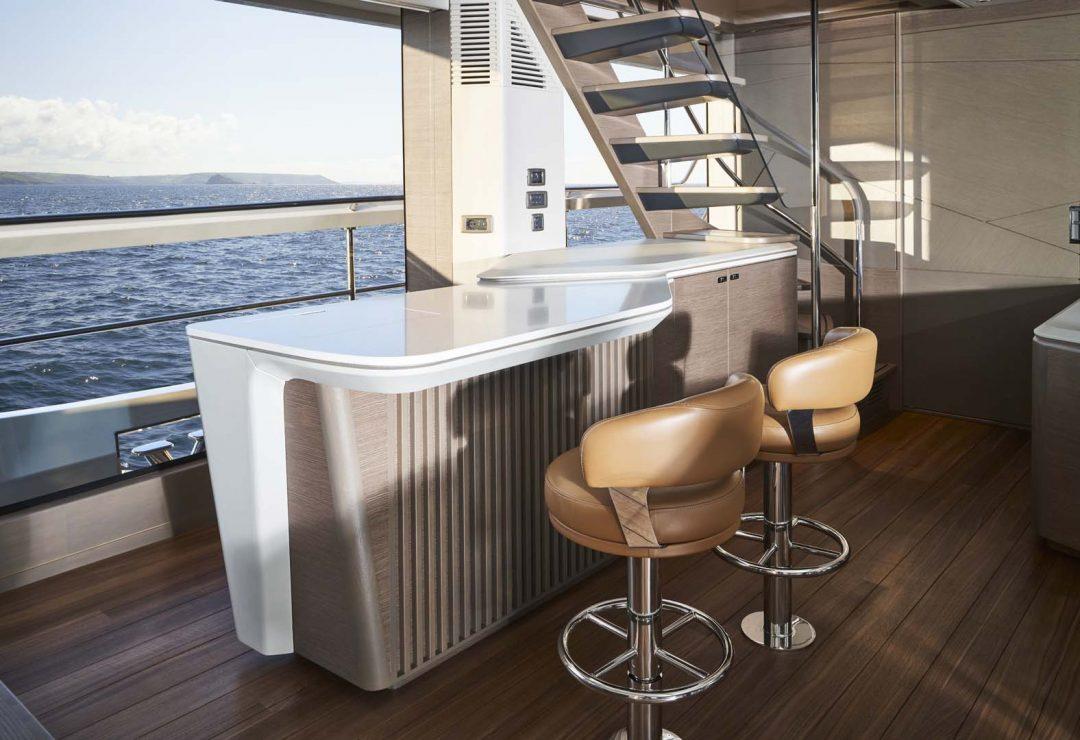 x95-slot-3-interior-saloon-bar-area-1