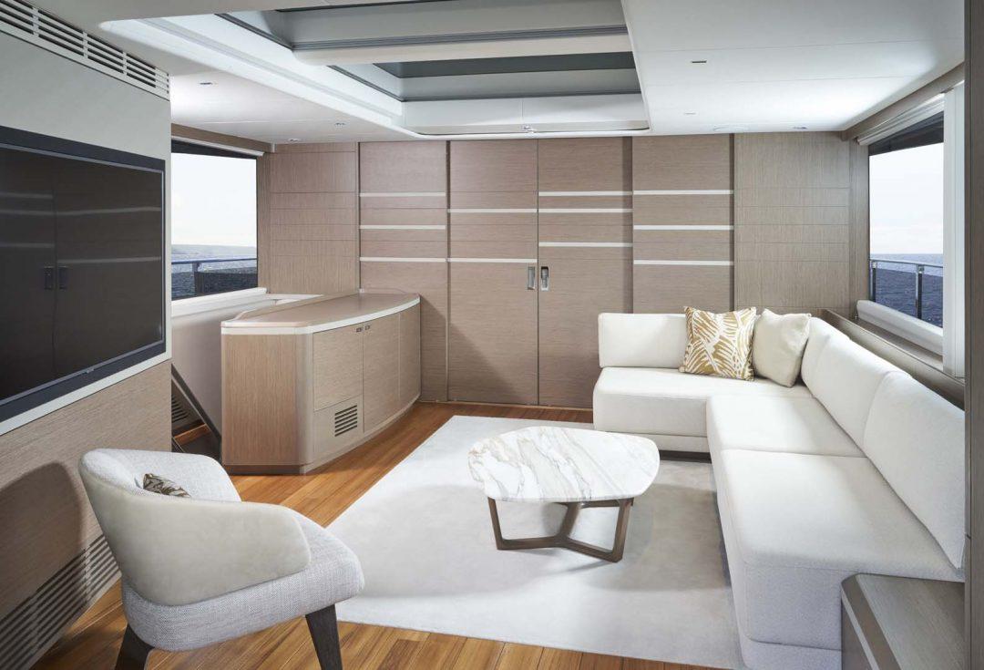 x95-slot-3-interior-skylounge-2