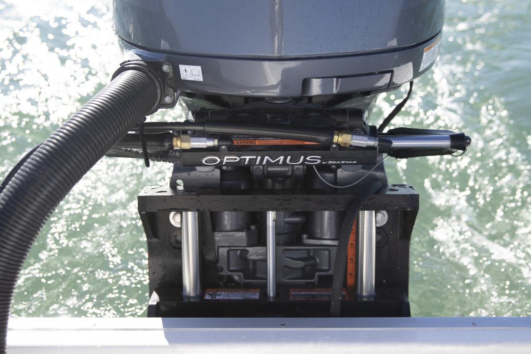 24XO_engine with digital electronic control SeaStar Solutions_060A5943_RGB_Web